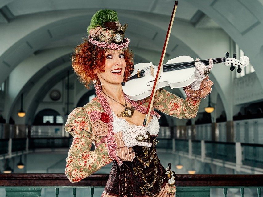 Vibrant Violinist